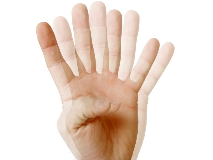 Двоение предметов в глазах - причины и лечение