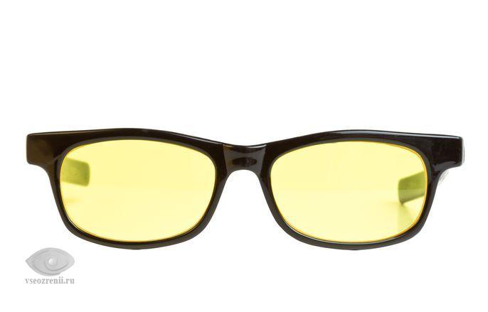 линзы желтого цвета